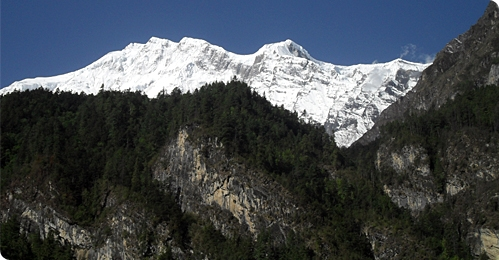 Annapurna and Thorong La (lodge)